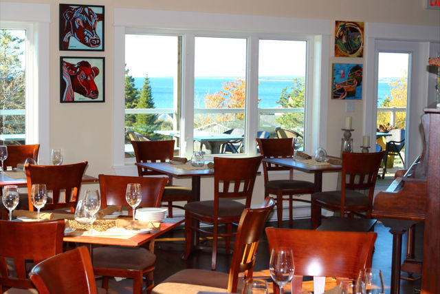 rhubarb - Delicious food and welcoming service in a cozy seaside setting